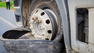 3-step-guide-to-surviving-tire-blowouts