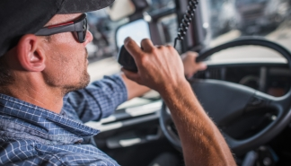 how-to-pick-the-best-cb-radio-ultimate-guide-for-truckers