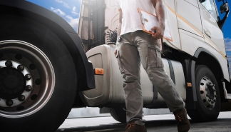 7-tips-for-truckers-driving-during-the-operation-safe-driver-week